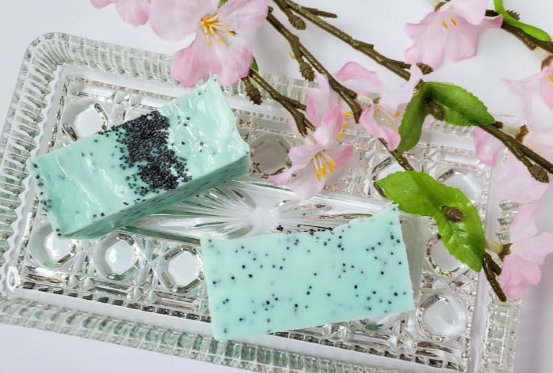 Poppy Seed Soap DIY to Exfoliate Your Skin